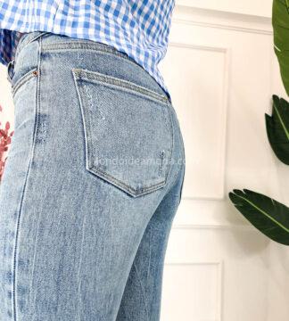 Jeans skinny strappato