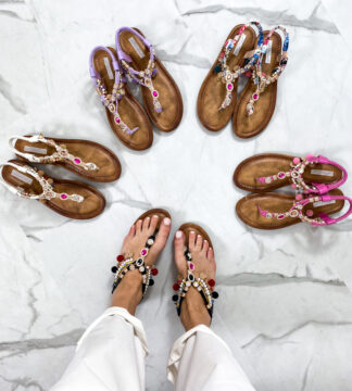 Sandali con ciondoli