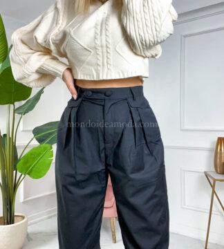 Pantaloni con pence